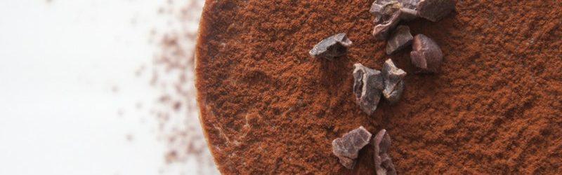 Comment nettoyer les taches de graisse, vin et chocolat sur vos tissus d'ameublement