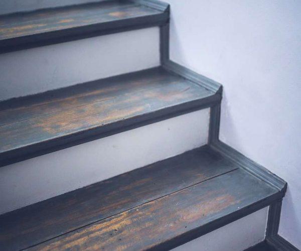 menuisier-qualit-escalier-rampe-belgique
